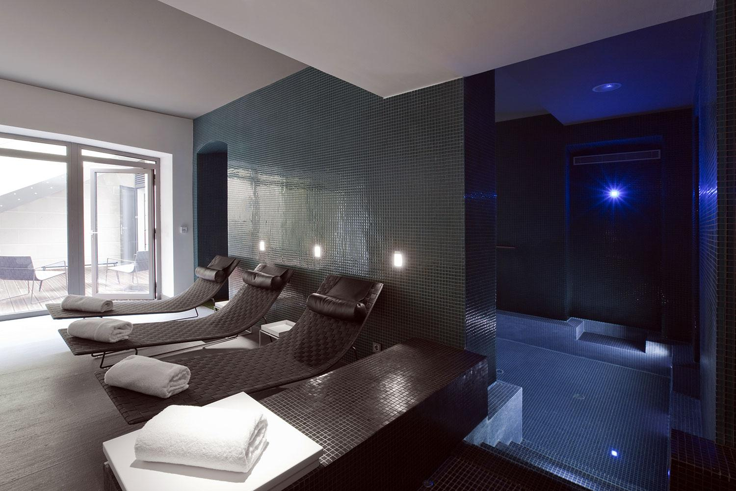 hotel spa marseille c2 hotel hotel luxe spa marseille. Black Bedroom Furniture Sets. Home Design Ideas